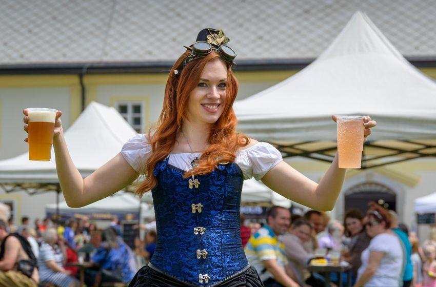 Zámecké pivní slavnosti