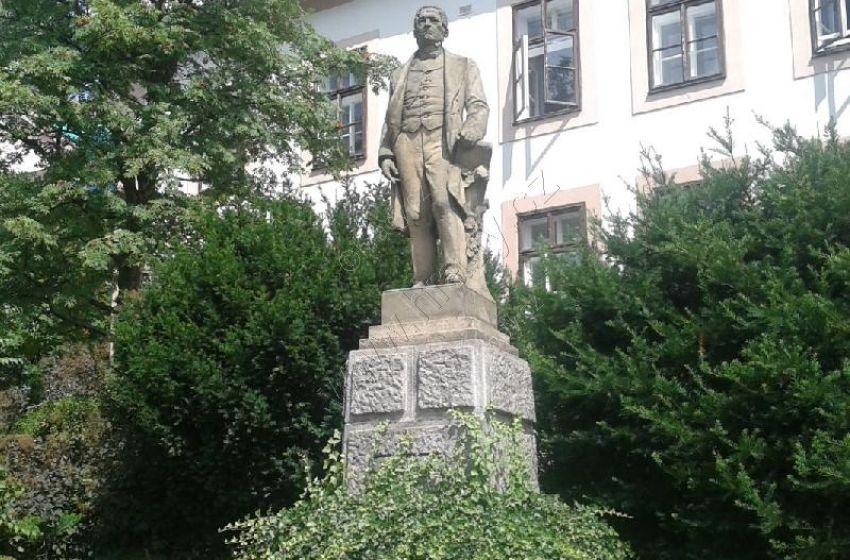 Pomník Františka Palackého