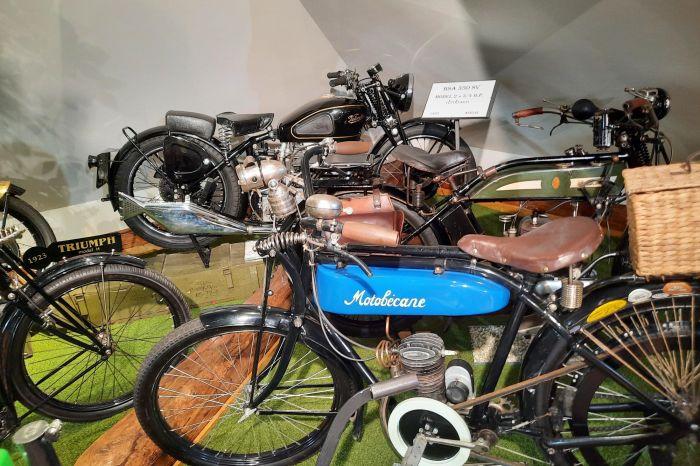 Muzeum historických motocyklů - 2200 x 1650