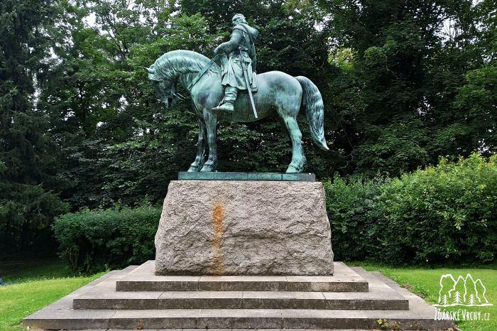 Jezdecká socha Jana Žižky - 1600 x 1067